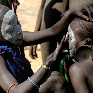 surma body painting ethiopia